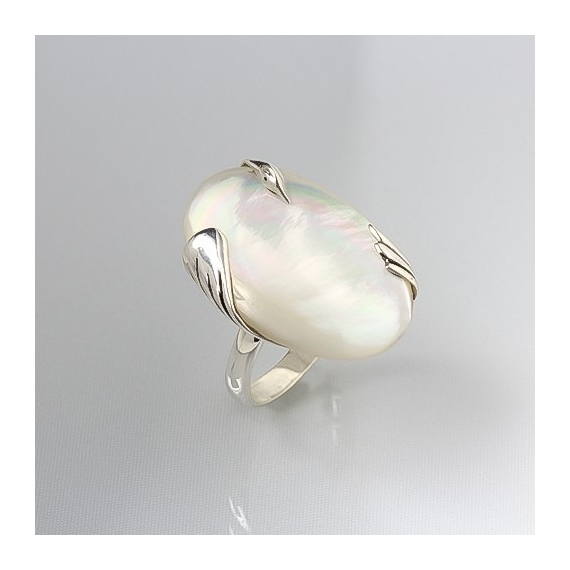 925 Sterling Silver White Mother-of-pearl Oval Shape Ring