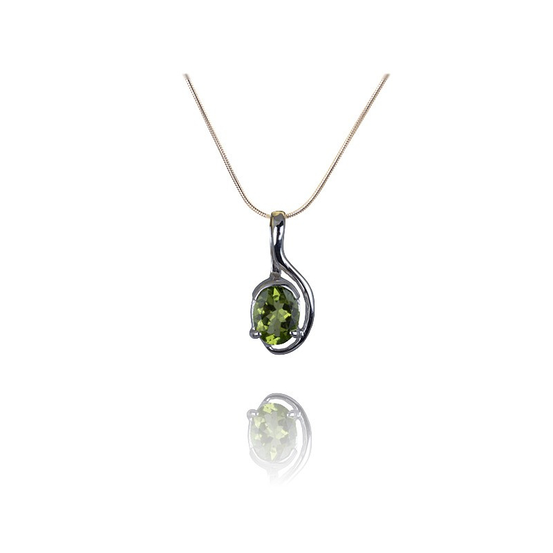 Gemstone peridot silver pendant A beautiful stone peridot pendant mounted in sterling silver